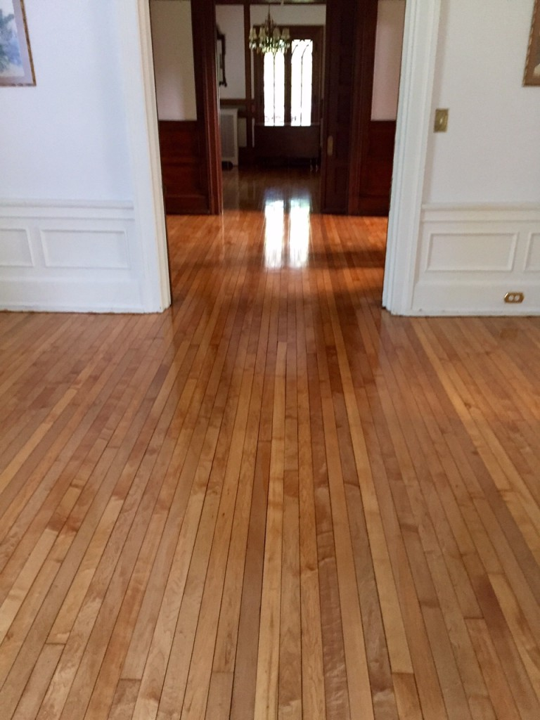 Refinishing hardwood floors virginia richmond for Sanding hardwood floors